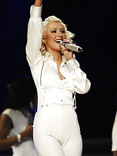 Christina Aguilera best cameltoe photos