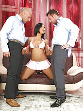 Kyra Black gets her ass fucked