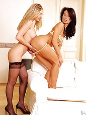 Lesbian babes eat each other out