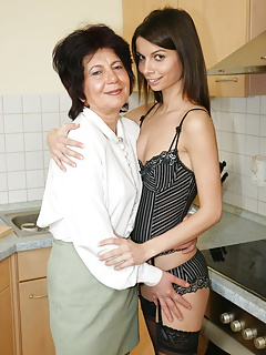 MOM AND GIRL