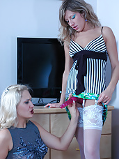 Salacious lesbian chick goes for anal job putting to work a huge strap-on