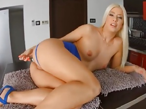 French Beauty Jessie Volt Anal