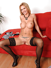 Enticing blonde cougar Brooke Tyler likes to finger her milf pussy