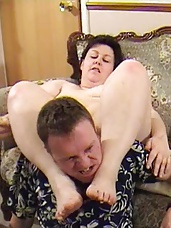 BBW strangles a wimpy man with her legs