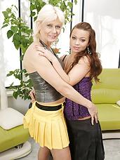 Hot babe doing her mature lesbian girlfriend